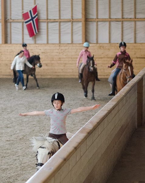 The riding school will open gradually from Monday 11 May!